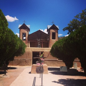 Discovering New Mexico is so exciting. A recent trip with a friend from NY to Chimayo was so nice. We explored the town with all the weavers, the pottery and the
